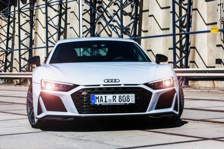 Audi R8 V10 Plus mieten in Stuttgart