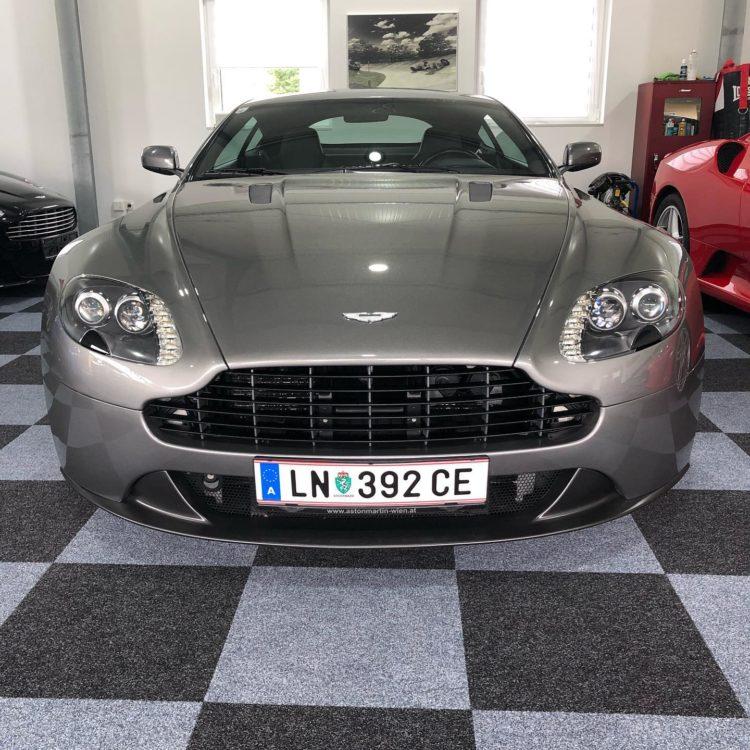 Aston Martin Vantage mieten in Leoben