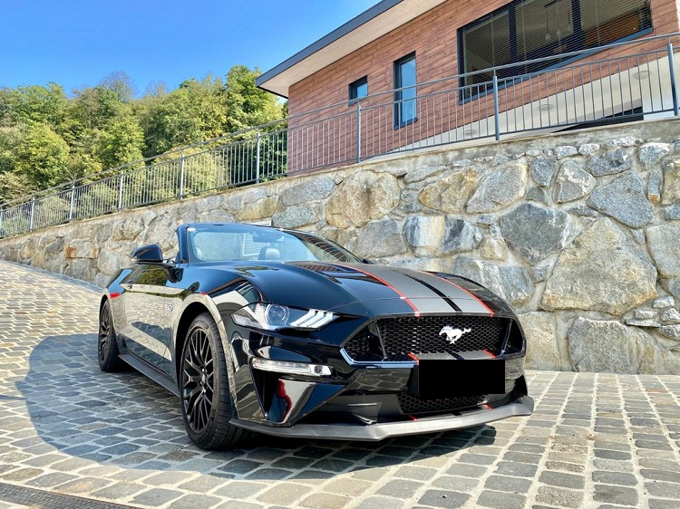 Ford Mustang GT Cabrio mieten in Innsbruck