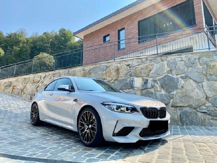 BMW M2 Competition mieten in Innsbruck